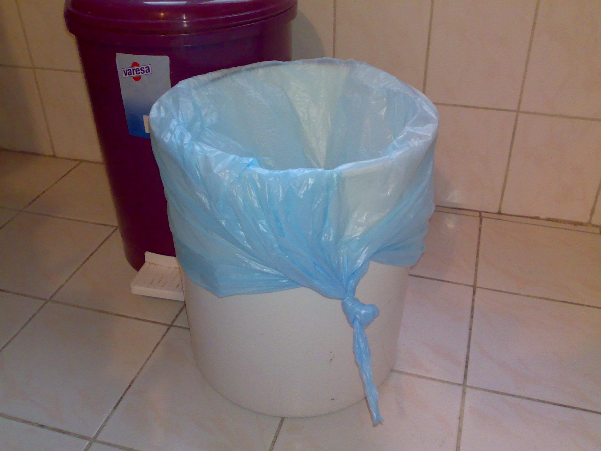 Çöp Kovası Nasıl Güzel Kokar